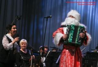 """Абонемент №2. Симфонический оркестр для детей и юношества. """"В Новый год с оркестром вокруг Света"""""""